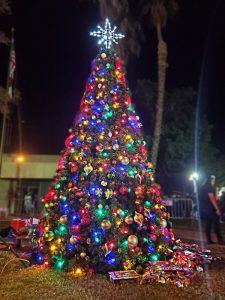 El Centro's Christmas tree lit up on Dec. 6. | JAYSON BARNISKE PHOTO